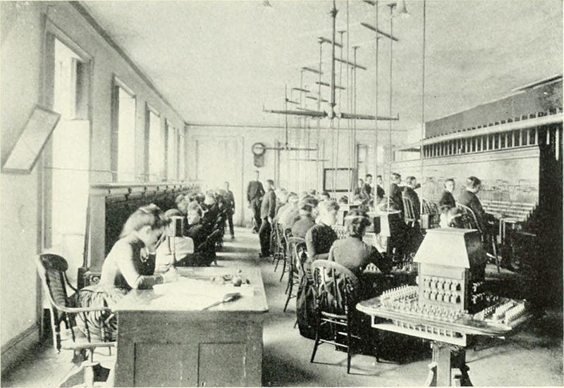 Предтеча колл-центров в 1922 году